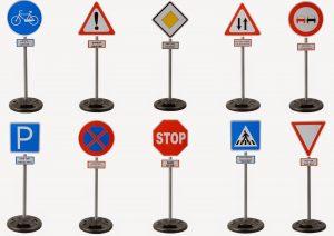 когда появились дорожные знаки